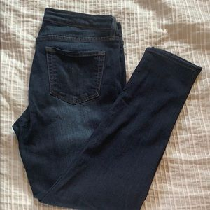 Just black dark wash skinny jeans size 31